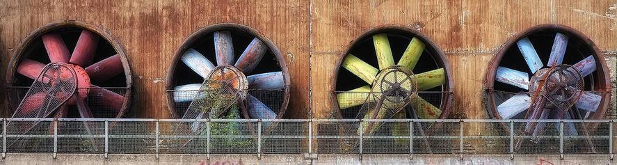 Four_belt-driven_ventilation_fans
